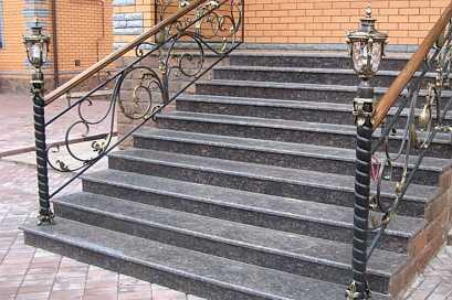 Какую гранитную лестницу выбрать?